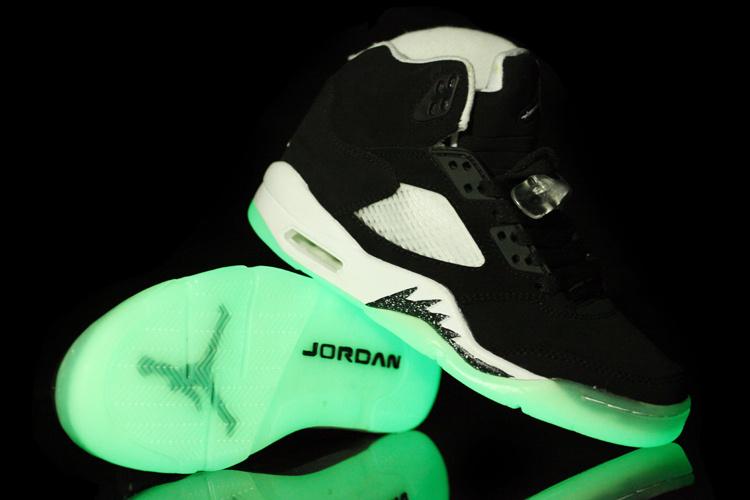 Air Jordan 5 Retro Midnight Black White Shoes