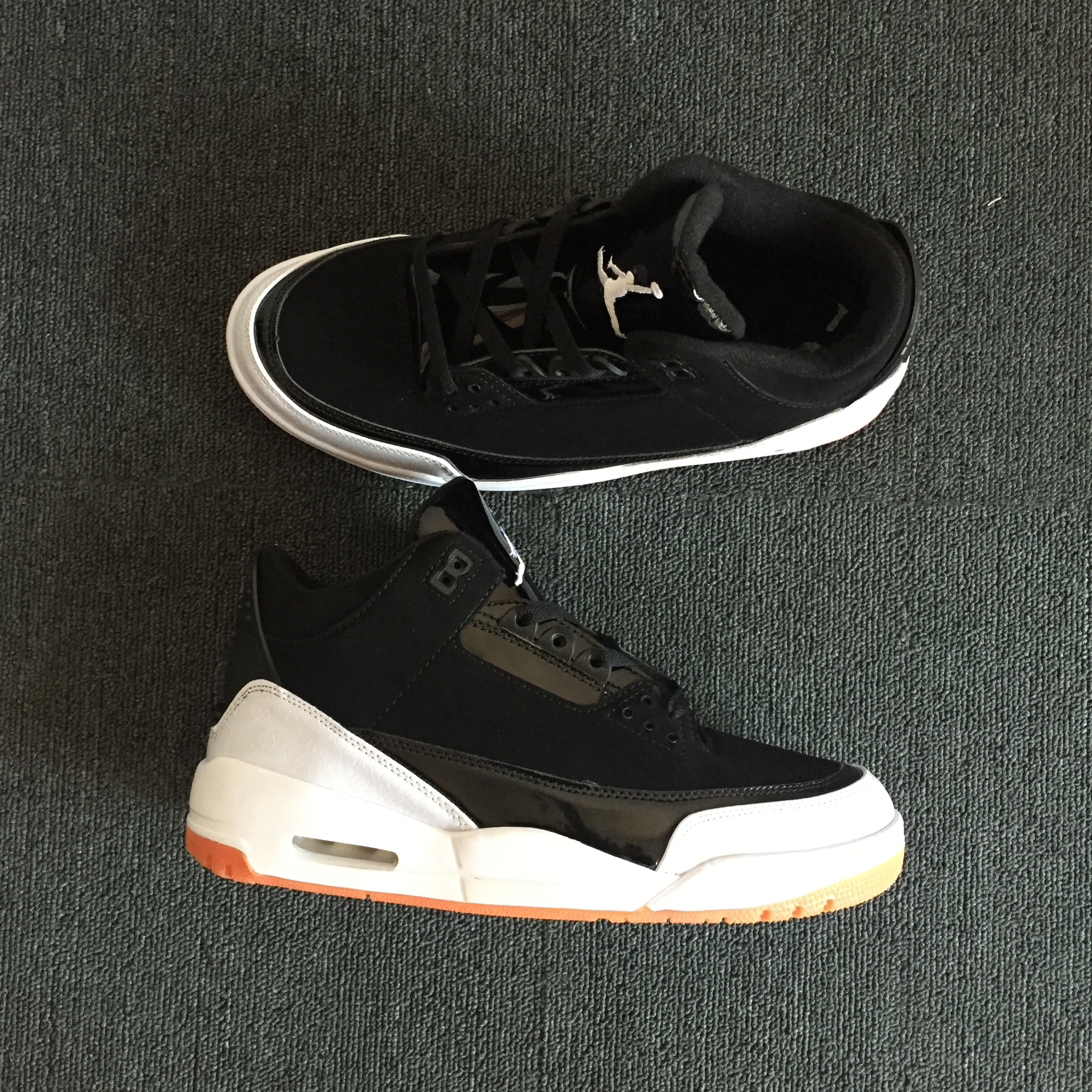 Air Jordan 3 Retro Black Gum Sole