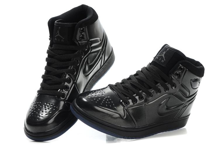 Air Jordan Retro 1 High Heel Black