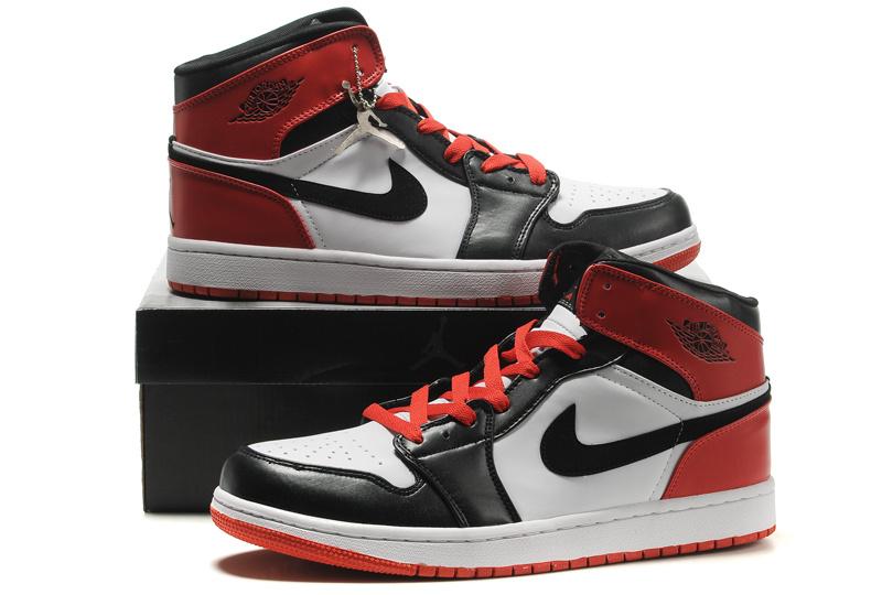 Air Jordan Retro 1 Red White Black