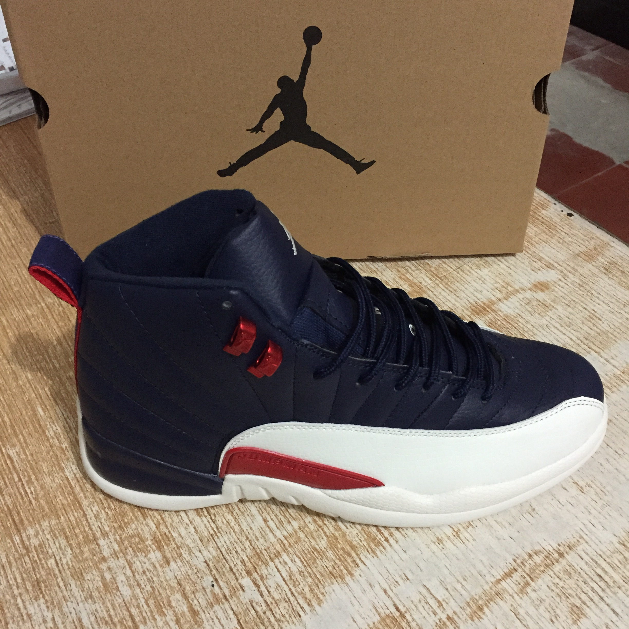 Air Jordan 12 Retro Deep Blue Red White